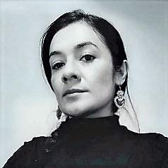 Alejandra Solórzano_ Perfil Casi literal