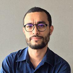 Alejandro García_ Perfil Casi literal