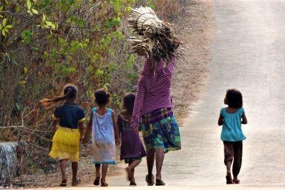 De-padres-niños-pobrezas-y-derrotas_-Casi-literal.jpg
