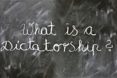 Democracia-o-la-cura-a-nuestras-pasiones-insociables_-Casi-literal.jpg