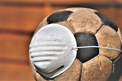 El-futbol-lo-puede-todo_-Casi-literal.jpg