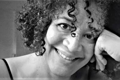 Escritores-panamenos-contemporaneos_-Isabel-Perez-de-Burgos_-Casi-literal.jpg