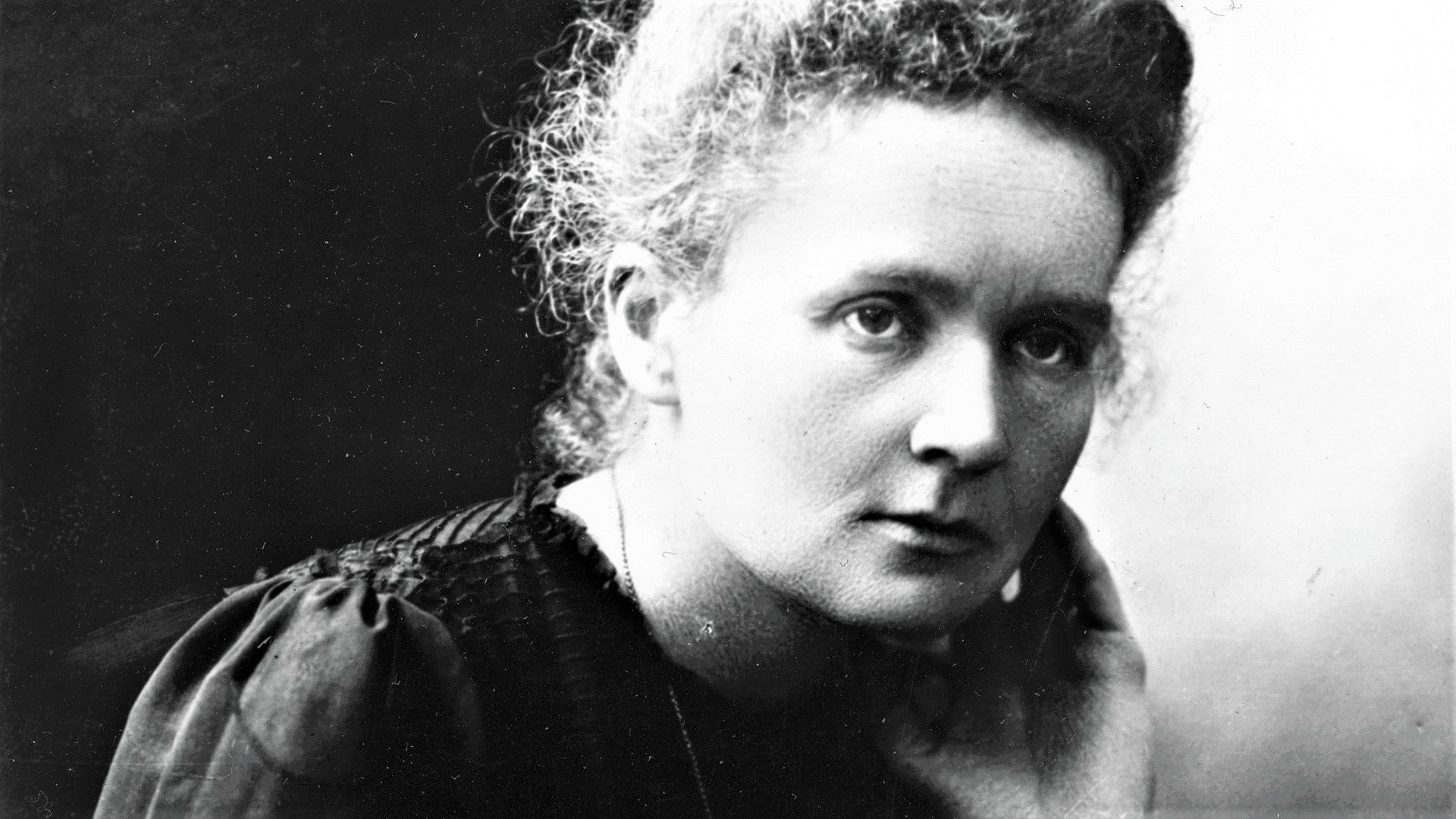 Marie-Curie_-Casi-literal.jpg