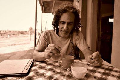Salvador-Bustos_-Casi-literal_-foto-de-Walter-Arbaiza.jpg