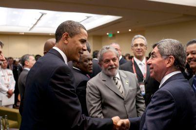el-expresidente-que-perdic3b3-pluma-y-paloma-de-la-paz_-casi-literal-1.jpg