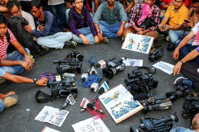 periodismo-tuitero-versus-periodismo-de-calle_-casi-literal.jpg
